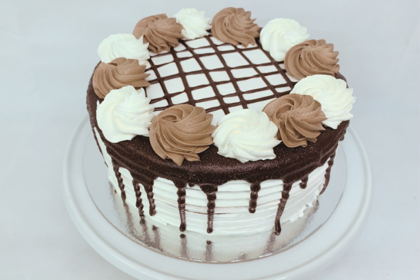 two tone cakes brisbane